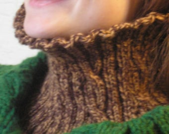 Knitting Pattern - Easy Reversible Cabled Worsted Neckwarmer