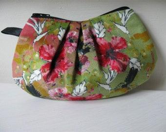case, toilet bag model Fleur éphémère