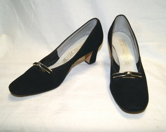Vintage Women's Black Suede Heels Shoes By Red Cross Shoes - Size 8 1/2 AA