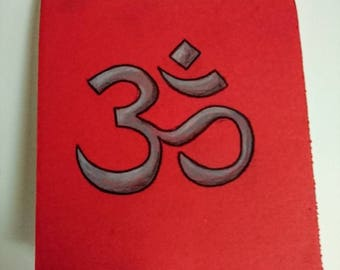 Om notebook, red