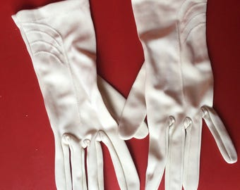 Vintage gloves  nylon cuff detail
