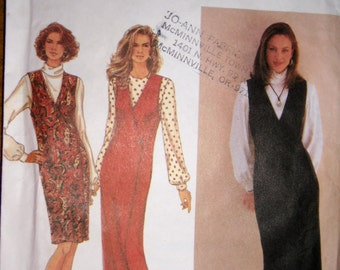 Simplicity Pattern 8598 - Misses V-neck Jumper in two lengths and pullover blouse pattern.  Size 6 - 10