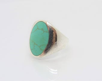 Vintage Sterling Silver Oval Turquoise Bold Ring Size 8.5