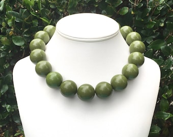 Chunky Green Necklace Large Green Necklace Olive Green Necklace Big Bead Necklace Green Statement Necklace 20mm Green Necklace Large Bead