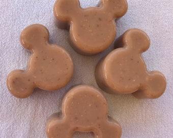 Vanilla Mint Oat Cold Process Soap bar 2.5 oz mouse