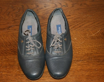 Size 7,Leather Blue Oxfords,womens size 7 shoes,womens oxfords,oxfords,7 oxfords,womens oxfords,women leather oxford,leather oxford shoe