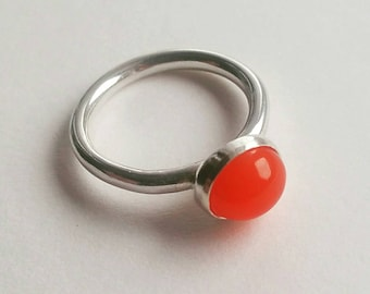 925 Sterling Silver Fire Opal Cabochon Solitaire Stacking Ring - Intense Colour, Beautiful, Statement