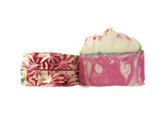 Fresh Strawberry Handmade Soap / Strawberry / Handmade Soap / Soap Bar / Vegan Soap / Christmas Gift / Gift for Her / Gift for Him