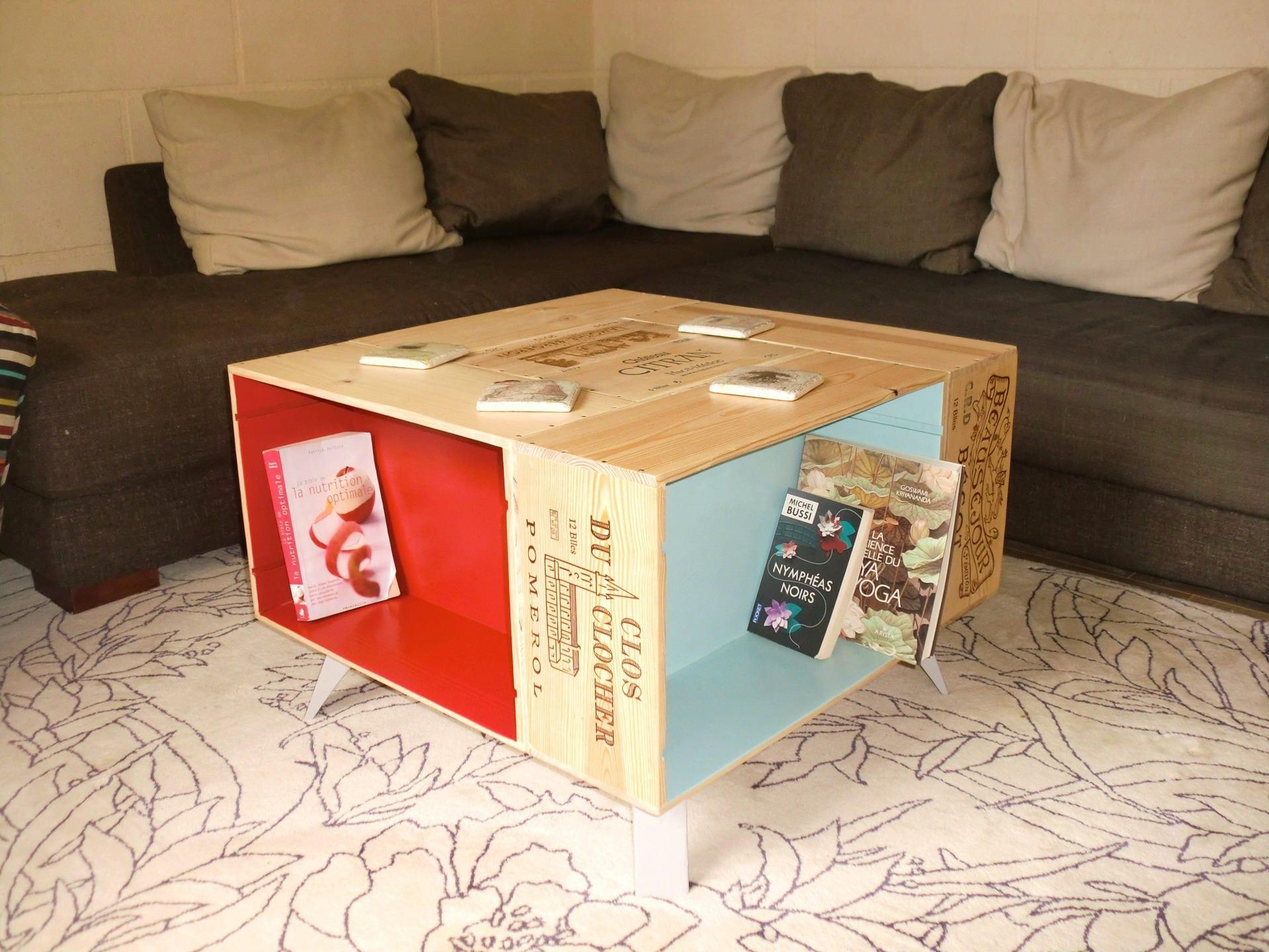Table basse fait main avec caisses de vin et pieds compas - Meuble caisse en bois ...