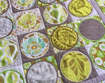 Circles Table Runner, Quilted Table Mat, Machine Appliqued Wall Hanging, Hand Made Quilted Table Mat