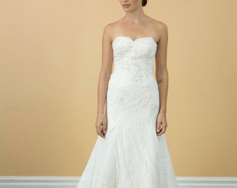 Sweetheart White lace wedding dress, Aline lace pleated bridal gown