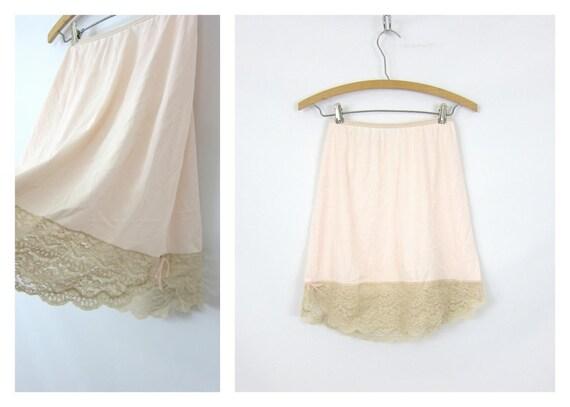 Pale Pink Mini Half Slip Vintage Lace Slip Skirt Short Nylon Slip Madonna Wedding Slip Womens Size Small