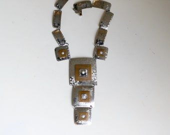1960s hammered aluminum statement necklace / 60s vintage handmade mid century mixed metals silver copper geometric tiered bib Y necklace