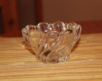 Mikasa Sunflower swirl crystal dish
