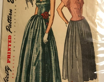 Simplicity Evening Gown from 1949. B33