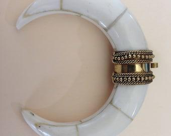 Horn Pendant Tusk, Double BONE Horn, 3 inch, Bold Large Tibetan Tribal Bohemian Boho Charm Pendant ap100.11 mh50b