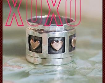 Anneau de valentines, sterling silver band, triple-coeur bague, bague or coeurs, oxydé bande argent bague large argent - Live laugh love. R1281