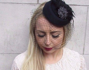 Black Birdcage Veil Feather Pillbox Hat Hair Fascinator Races Funeral Clip 3916