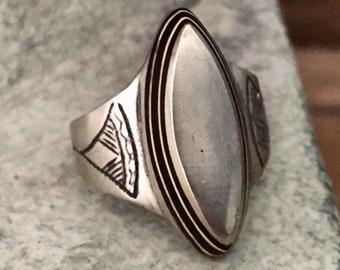 Tuareg Solid Ring with Ebony Inlay, diam 2 cm, US Size 10