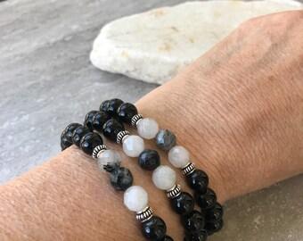 Black Bracelet, Onyx Bracelet, Tourmalinated Quartz, Black and White Bracelet , Stretch Bracelet, Unisex Bracelet