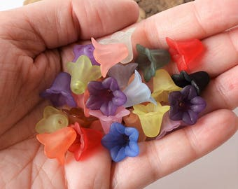 20 Pc 13mm Frosted Bell Flower Beads