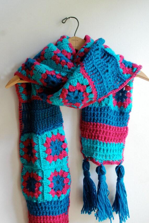 Schal Schal Oma Quadratischer Schal gehäkelt