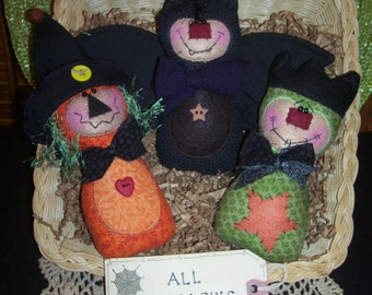 Primitive Whimsical Country Halloween WITCH MONSTER BAT Dolls Tucks Bowl Fillers Ornies
