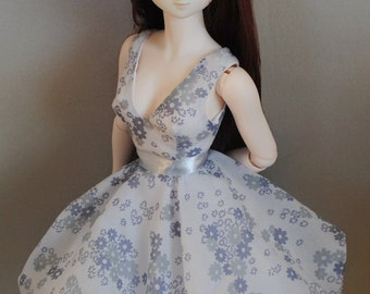 romatic BUBBLE dress for Dollfie Dream in delicate floral chiffon; petticoat, belt, stockings included ; by Dollmino