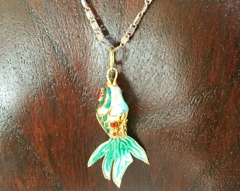 Articulated fish necklace