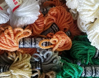 LoT Needlepoint Yarn for Plastic Canvas