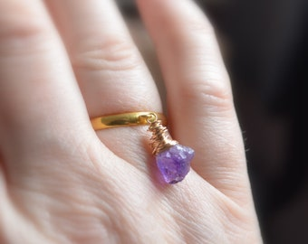 Raw Amethyst Ring, Gold Plated Brass, Real Gemstone, Rough Natural Stone, Charm Ring, Wire Wrapped, Adjustable Size, Fun Gold Jewelry