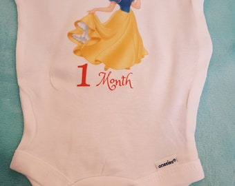 Snow White themed monthly onesies, Month By Month Princess theme onesies, Snow White