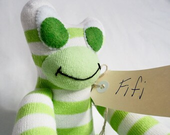 Fifi Frog. Sock toy from lostsockshome.