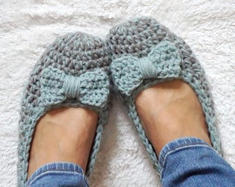 Extra thick, Simply slippers in Grey/Mint Color with Mint Bow, Adult Crochet Slippers , Women slippers, house shoes