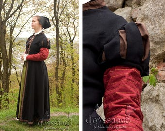Renaissance Fitted Gown, 16th century Outfit, Elizabethan Fashion