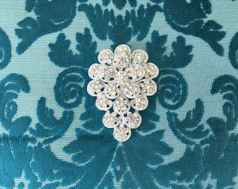 Rhinestone Brooch.Crystal Flower Brooch.art deco style.flower pin.wedding accessory.vintage style.flower broach.silver brooch.rhinestone pin