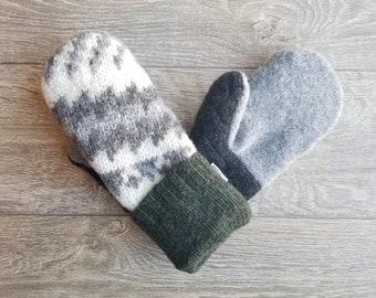 Best Wool Sweater Mittens // Womens Sweater Mittens // Fleece Lined mittens // Gray and Green