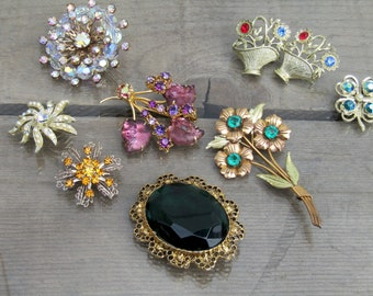 Vintage Jewelry Lot / Rhinestone Brooch Lot / 9 Vintage Flower Brooches / 50s Glass Brooches