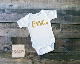 First Birthday Girl Outfit | One Bodysuit with Heart | One Shirt | 1st Birthday | First Birthday Outfit | Glitter One Outfit | Cake Smash