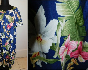 Vintage HAWAIIAN MuuMuu Dress Caftan Hawaiian Longing Dress Aloha Hibiscus MD Fashions Plus Size Minty
