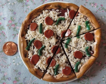 American Girl Pizza with pepperoni and green peppers