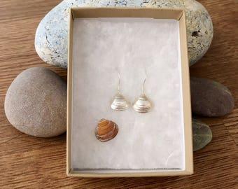 Clam shell earrings in Fine Silver