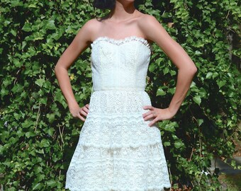 vintage 1970s cream lace strapless  dress