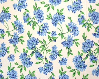 Vintage 1940s blueberries fabric, vintage cotton blueberry tablecloth, excellent condition