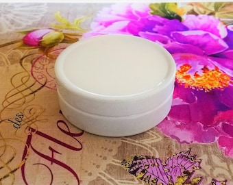 One small metal tin, Empty White Slide Top Round Tin Containers for Lip Balm, Crafts, Cosmetic, Candles, Pocket size