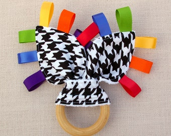 Houndstooth Sensory Wooden Teether - A Waldorf and Montessori Inspired Baby and Toddler Toy and Teether (C)