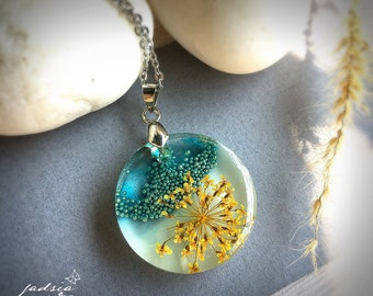 Glow in the dark,Queen Anne's lace,Round pendant,Green-blue tiny beads,yellow dried flower resin necklace,resin jewelry,special gift,magic