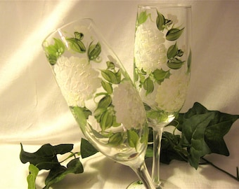 Free shipping Hydrangea hand painted champagne flutes
