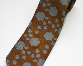 Vintage 1970s Wide Polyester Necktie by Custom Cravatieur, Brown w/ Slate Blue Roses, Vintage 1970's Rock & Roll Band, Theater Costume