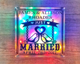 Personalized Couple Gift, Personalized Couple, Personalized Couple Gifts, Just Married Gift, Wedding Gift Name, Wedding Gift Date, Lovebirds